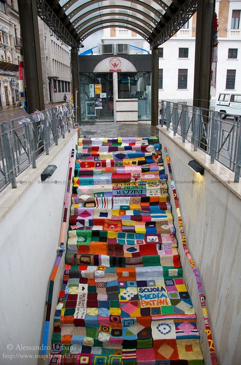 The (New) Knitted Town-yarn bombing so fun