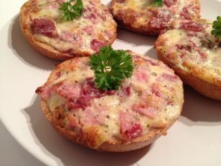 Pizza-Brötchen - Rezept | DasKochrezept.de