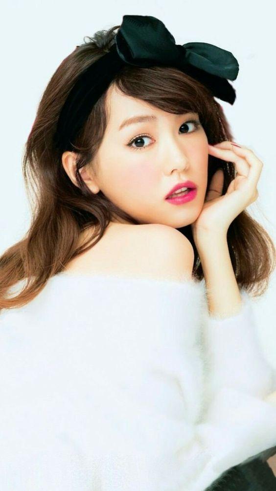 赤い唇の桐谷美玲