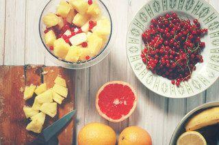 50 alimentos con menos de 50 caloríasComenzar a cuidarse es sencillo. Basta con empezar una rutina deportiva y sobre todo cambiar los hábitos alimenticios...
