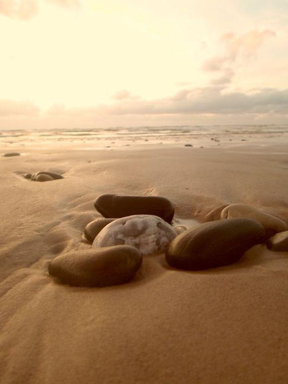 Rock | Pebble | Stone | 岩 | 石 | Pierre | камень | Pietra | Piedra | Color | Texture | Pattern | Rocks by Lalliebear