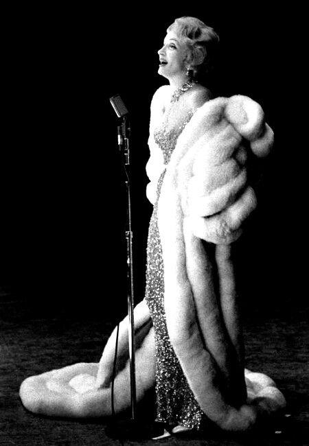 Marlene Dietrich in a beautiful Fur Coat !