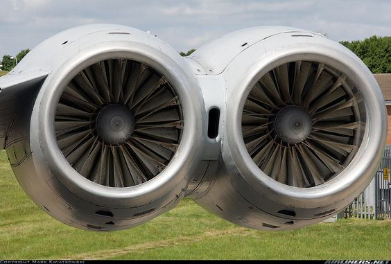 Rolls-Royce Conway engines that power the VC-10