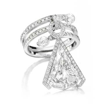 A Diamond Ring of 5.17 carats, D Color, Internally Flawless Clarity