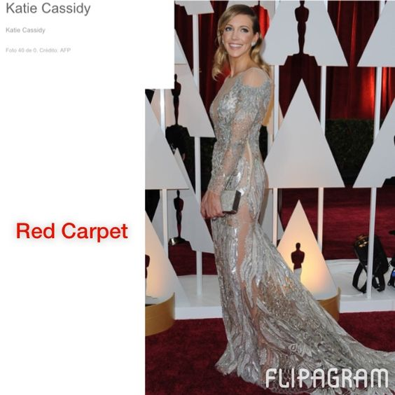 ▶ Reproduzir vídeo do #flipagram Boa noite!! Noite de Oscar, red carpet e   glamour!!! Esses foram os meus looks escolhidos da noite, que tal gostaram? Em especial: And The Oscar goes to: Lupita Nyong'o Vestido lindo feito com seis mil pérolas, criação de um estilista brasileiro, Francisco Costa, da Calvin Klein  #summer15 #sapatos #dieta #chique #deuso #blogger #fashion #glamour #blogitestilos #likes #look #lojas #lookdodia #moda #tendência #verao2015 #blogitsgirlss #lookfashion #meninas…