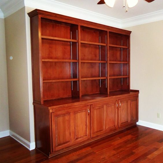 Custom built-ins in Country Club Estates!