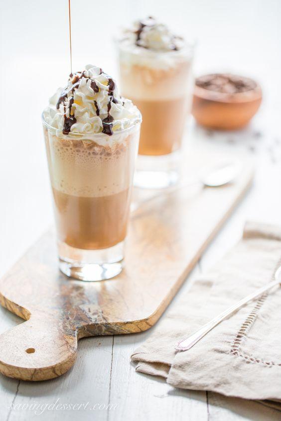 おうちカフェ。モカフラペチーノ。Homemade Mocha Frappuccino