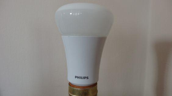 Quiero de estos focos pa mi chan :D Philips Dimmable LED Lightning Review: So Much Light, So Little Juice