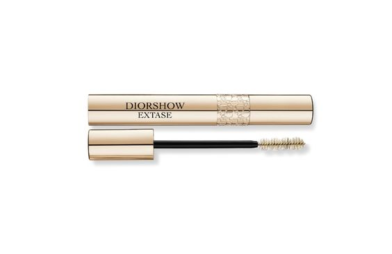Diorshow Extase by Dior on Dior Beauty Website It lengthens, volumizes eye lashes. What I like about Dior mascada is that it is very pigmented. It has very deep black color. So your eyes will pop. However, if you have oily eye lid periodically check mirror. You may have darkened lower lid.