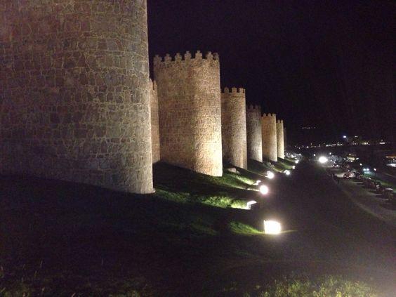 Muralhas de Ávila, by night