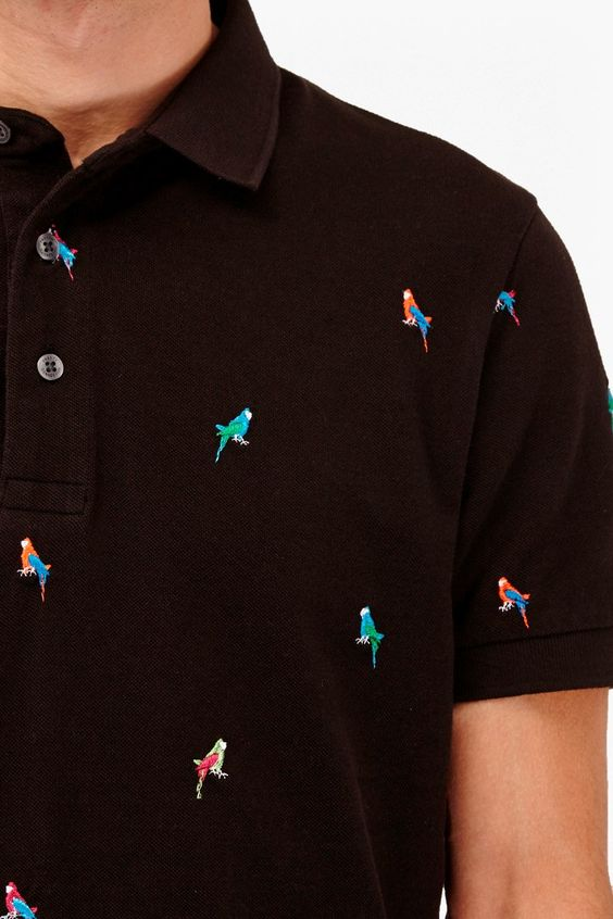 "<ul> <li> Pique-cotton polo shirt with parrot embroidery</li> <li> Collar with 3-button placket </li> <li> Short sleeves </li> <li> <strong>Fit guide:</strong> Please note that the sizing comes up slim. For a fit that doesn't cut close to the body and arms, we suggest that you go one size up. Please check the size guide for more info</li> <li> UK size M total length is 71cm</li> </ul>  <strong>Our model is 6ft 1.5"" with a 36"" chest and wears a UK size M.</strong>"