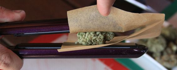 How to Make Weed 'Dabs' at Home With a Hair Straightener | Motherboard