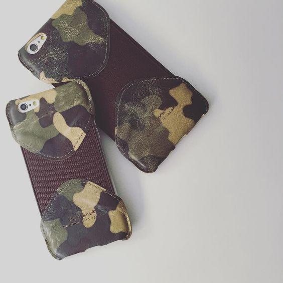 ROBERU HANDMADE LEATHER IPHONE CASE FOR 6/6S & 6/6S PLUS  今天已有多位買了iPhone 6s及6s Plus的客人來買Roberu Leather iPhone Case常有客人問我們哪種配色好看我們的推薦是經過舊化處理的Green Camouflage由日本工匠全手工精製獨特設計顏色紋理是世界唯一的來自日本橫浜的Leather Factory Roberu  @roberuiwamoto @moderntimeshk ________________________________  #iPhone6 #iPhone6s #iPhone #iPhoneCase #RoberuJP #Roberu #Handmade #MadeinJapan #HandmadeinJapan #Leather #LeatherGoods #LeatherCraft #CameraStrap #Wallet #LeatherWallet #ShortWallet #Tote #ToteBag #LeatherTote…