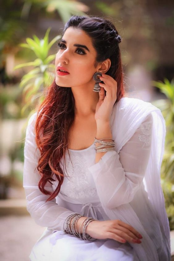 Hareem Farooq Spotted Wearing A White Dress from Boheme by Kanwal - Showbiz and Fashion