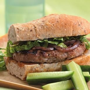 Turkey Burgers with Mango Chutney  Mango chutney and grilled red onion flavor this quick turkey burger.  @eatingwell #diet