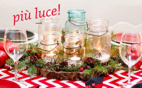 Un'#idea semplice per #decorare con #stile la vostra #tavola #natalizia: mini #candele in vasetti di vetro, tra rametti di #pino o di #agrifoglio. Il #calore della #luce, con un tocco #country. / A simple #idea to #decorate your #Christmas table with #style: mini #candles in glass jars, among sprigs of #pine or #holly. The #warmth of the #light, with a #country touch.