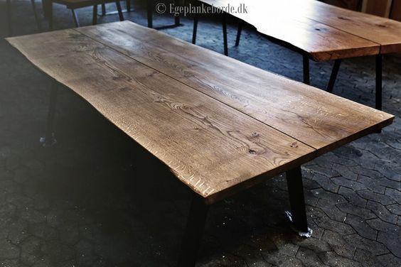 Rustikt spisebord i træ   brede planker   fra egeplankeborde.dk ...