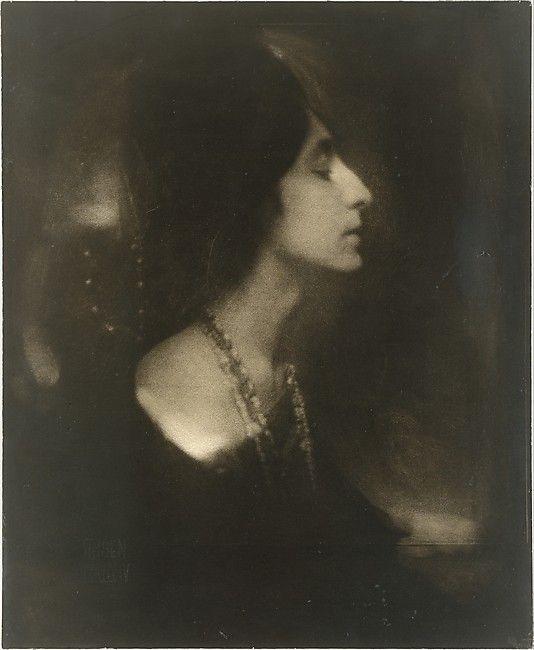 Mercedes de Cordoba (Profile) Edward J. Steichen  (American (born Luxembourg), Bivange 1879–1973 West Redding, Connecticut)