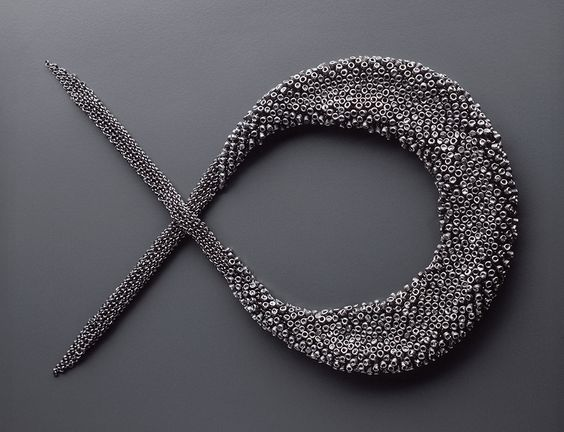 Tone Vigeland Necklace: Untitled, 2001 Silver Photo by: Guri Dahl: