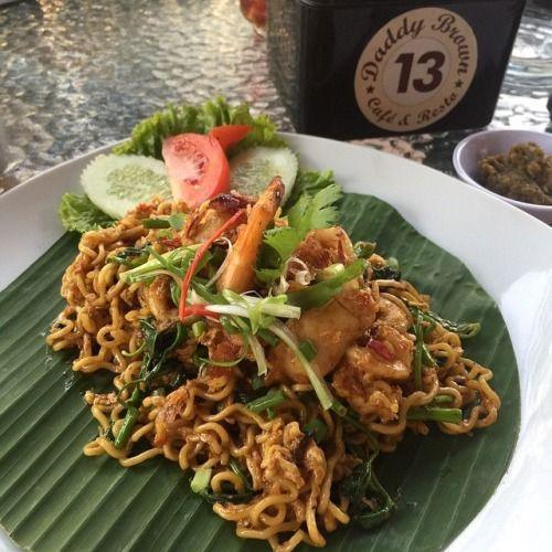 Indomie Goreng Kangkung Belacan Daddy Brown | Kuliner Medan - Direktori Kuliner Kota Medan