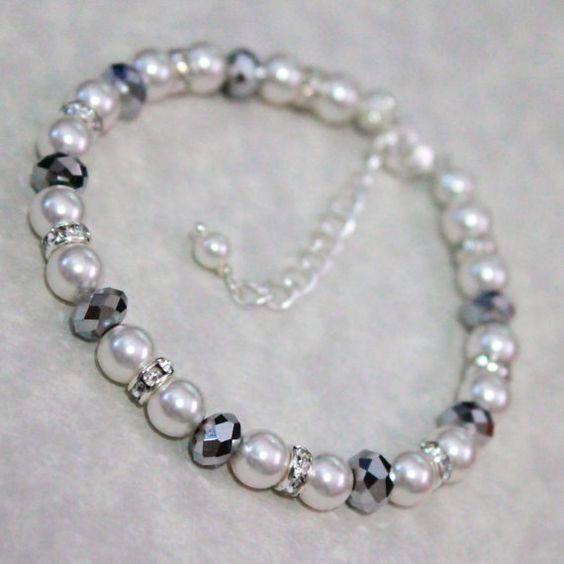 Swarovski White Pearl Bracelet (Pearls available in ivory, light grey, dark grey and black)