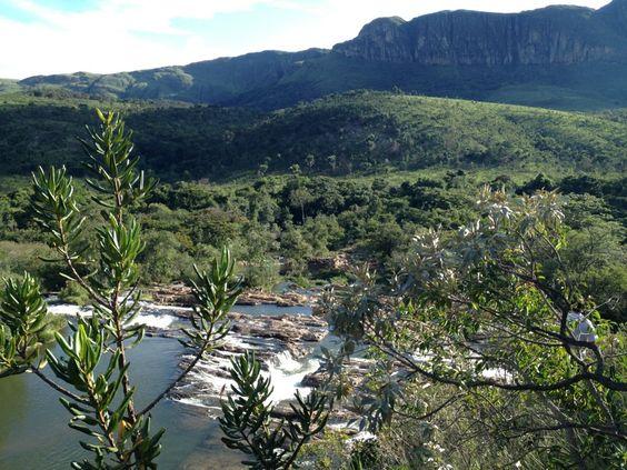 São João Batista do Glória http://g1.globo.com/mg/sul-de-minas/jornal-da-eptv/videos/t/edicoes/v/passeios-de-chalana-no-lago-de-furnas-atraem-turistas-a-sao-joao-batista-do-gloria/3150288/