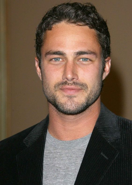 Taylor Kinney I've been looking for a pic of my lover!!