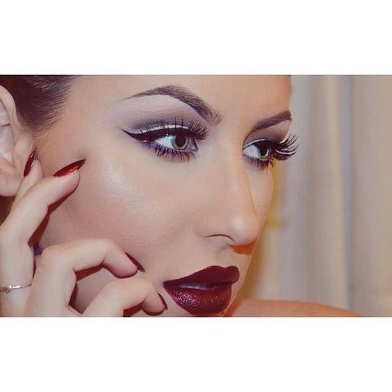 @Christina Pippenger holiday makeup with plum lips