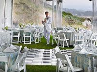 Sam's Chowder House offers an oceanfront lawn, just steps away from the sand and the perfect place for a wedding reception, after a ceremony on the beach. You can choose a tented reception, or one with no tent and just the gorgeous ocean air! Whatever your dreaming of for your coastal wedding, we are here to help you create it.
