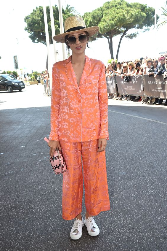 Cannes Film Festival pulled out some pretty sleek style this year, and fashion boss Eleonora Carisi was on the front line of all things cool. Matching her chill co-ord (check that lit floral pattern) with white kicks, EC adds in a cutesy pink clutch and finishes with an oversized straw hat