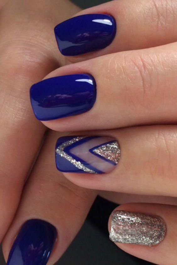 Manicure Geometric Nail Art Ideas ; design de unhas; Геометрия Дизайн ногтей; Дизайн ногтей; geometric nails; Blue nails; manicure; nail shop; nail salon;