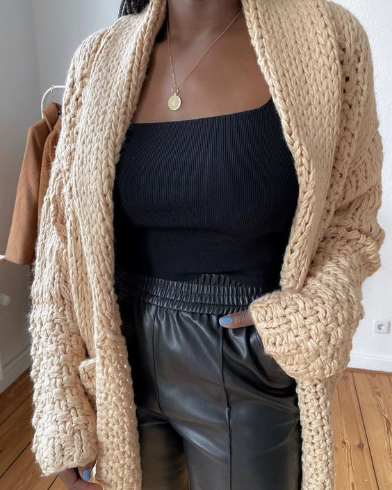 21 Daytime Outfits To Rock This Winter