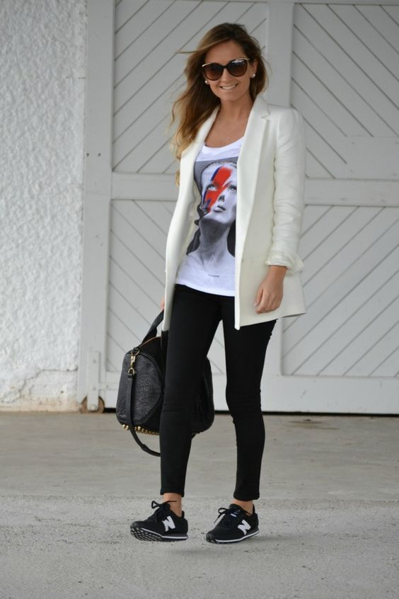 2013 Sneakers: New Balance Bag: Alexander Wang  Jeans: Topshop/Blazer: Zara /T-shirt: Eleven París