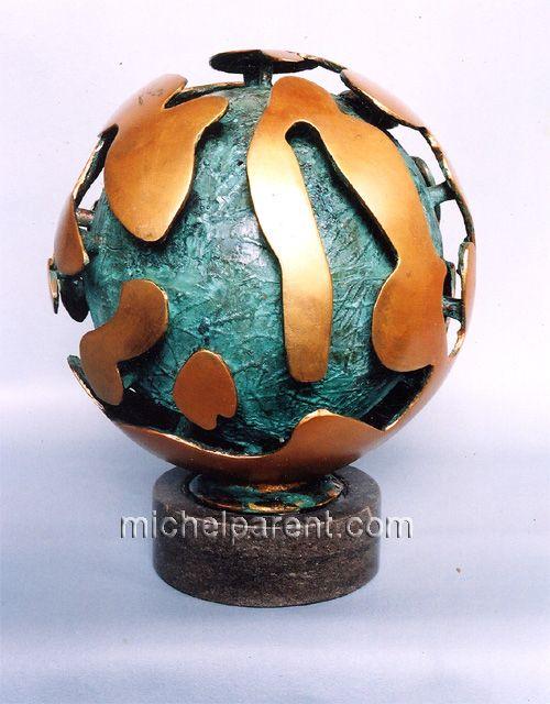 Sphère des nuages (Sphere of the Clouds), 2003, bronze, 33x25x25 cm, 11 kg