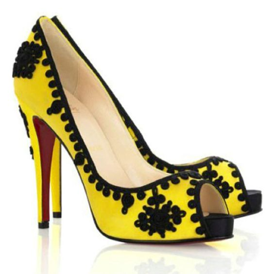 christian louboutin bollywoody suede pumps