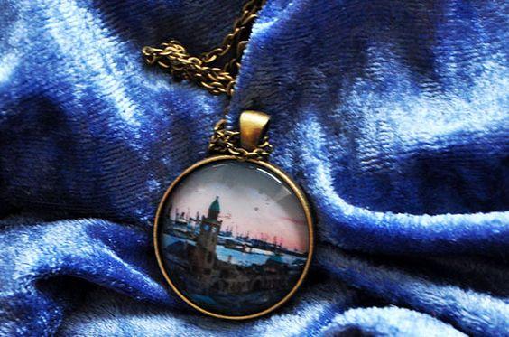 Halskette Hamburg Queen Elizabeth an den Landungsbrücken IV - Fotografie und Schmuck aus Hamburg - elbvue - Künstler und Designer unterstützen - Startups - Fotokette mit Anhänger