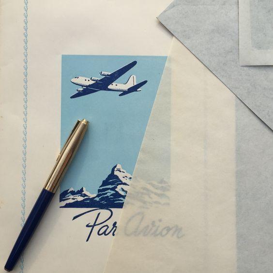 http://www.bonvini1909.com/negozio/#prd-2501 Carta da lettera e buste per posta aerea originali anni '50