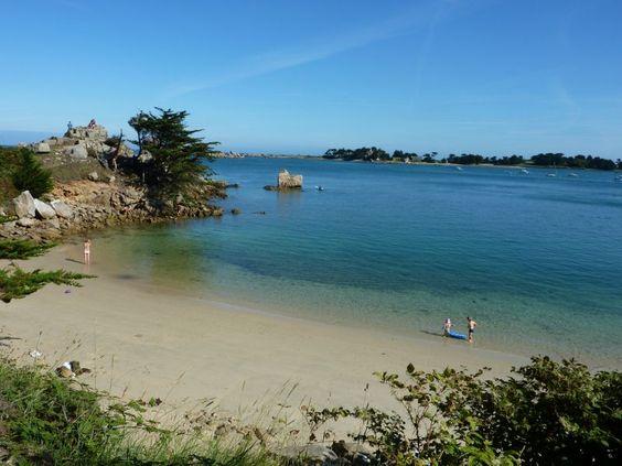Magnifique plage de port blanc bretagne les plus for Camping cote de granit rose piscine couverte