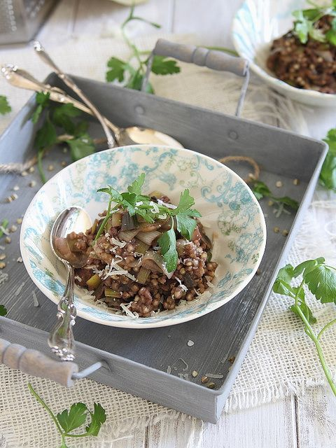 Buckwheat risotto with mushrooms and leeks