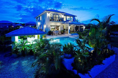 super awesome looking dream house on the beach. love. | Home Sweet ...