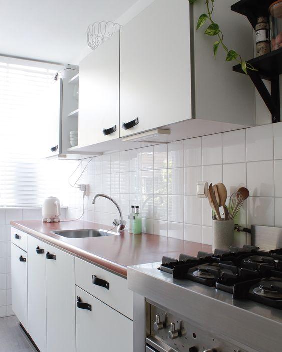 leren handgrepen op je keukenkastjes