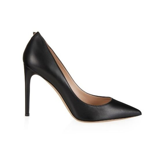 VALENTINO Rockstud-detail leather pumps (2.740 RON) ❤ liked on Polyvore featuring shoes, pumps, black, heels, black evening pumps, heels stilettos, leather pumps, black pumps and black stilettos