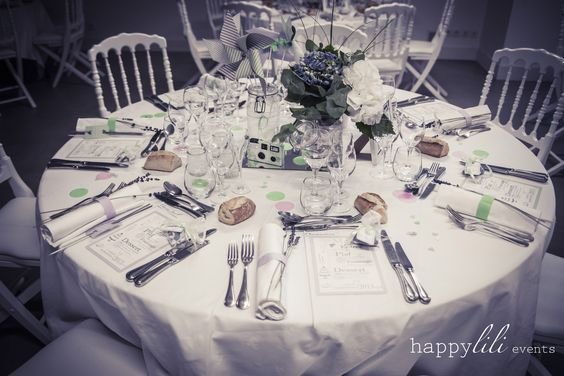 D coration table mariage menu noms fleurs mauve vert d 39 eau blanc mariag - Fleurs table mariage ...