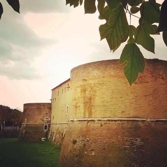 Rocca Costanza #rocca #Pesaro #marche #turismo #igerspu #tourism #italy #italia #architettura #view #landacape #vsco #instamonument #building