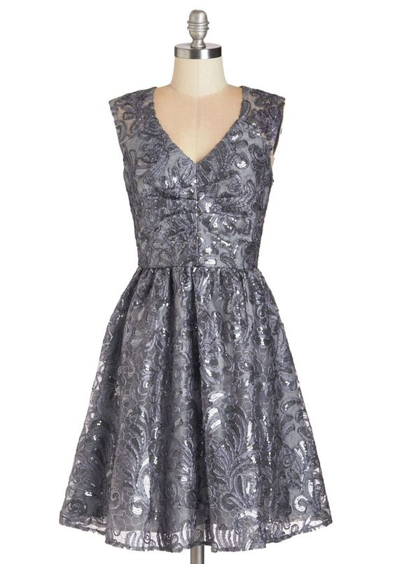 Metallic Dress Ideas! Tap the image to see the slideshow.