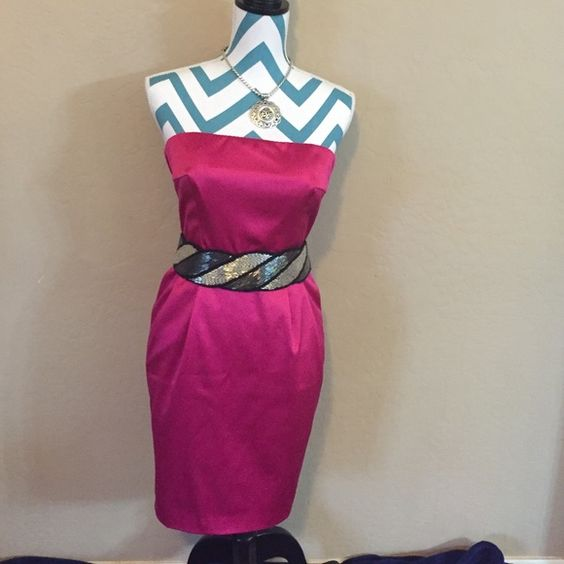 Perfect for Valentine's Day! Worn once for an after-party! Hot pink sz 4 strapless dress by Express Design Studios. Super cute with a belt at the waistline and just adds an amazing 'pop' of color! Belt not included with this listing** Express Dresses Strapless
