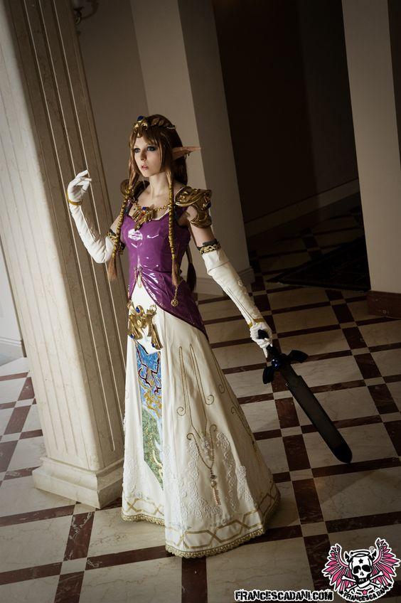 Zelda Twilight Princess.Cosplayer: Aurora Francesca Dani (Italy). Events: Fumetto Fest (Italy), Anime Matsuri (Houston, US), Anime Friends Yamato (Argentina), Tsunami Sp (Mexico) 2010. Photo: Masaki Kaneuchi