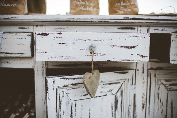 Shabby Chic Wedding station. Love my details!