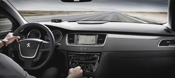 Auch der Innenraum des #PEUGEOT #508 macht einiges her. Bringen Sie die Strasse unter Kontrolle. Mit dem neuen #Peugeot508 http://508unlocktheroad.peugeot.de/