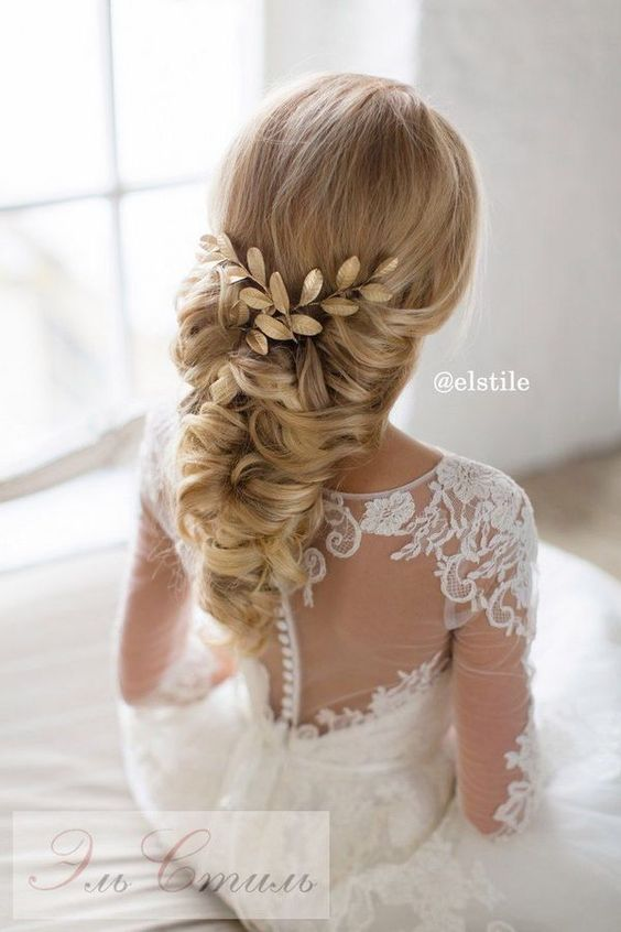 Elstile Long Wedding Hairstyle Ideas 17 / http://www.deerpearlflowers.com/26-perfect-wedding-hairstyles-with-glam/3/
